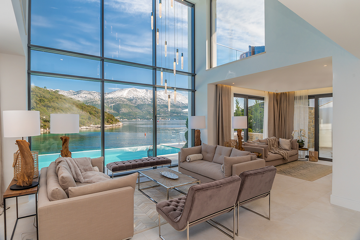 Maximizing the views of your waterfront home